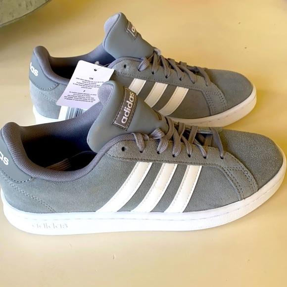BRAND NEW/NEVER WORN Adidas Grand Court Sneaker